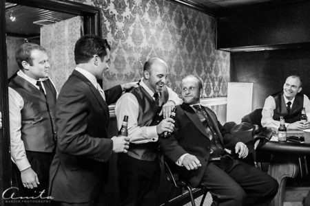 groom with groomsmen at forest house lodge bar